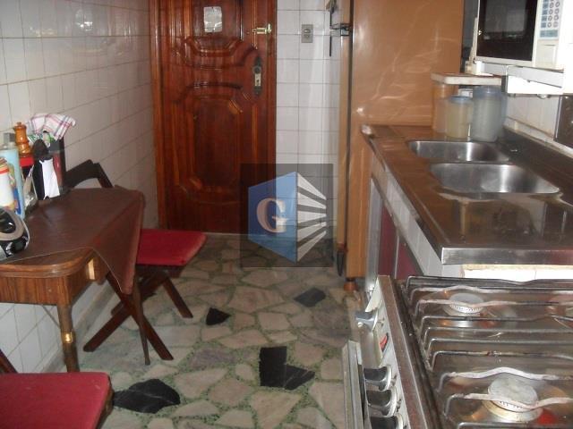 praia de icaraí- vista parcial mar - cômodos amplos- arejado, sala, 2 quartos, banheiro social, cozinha,...