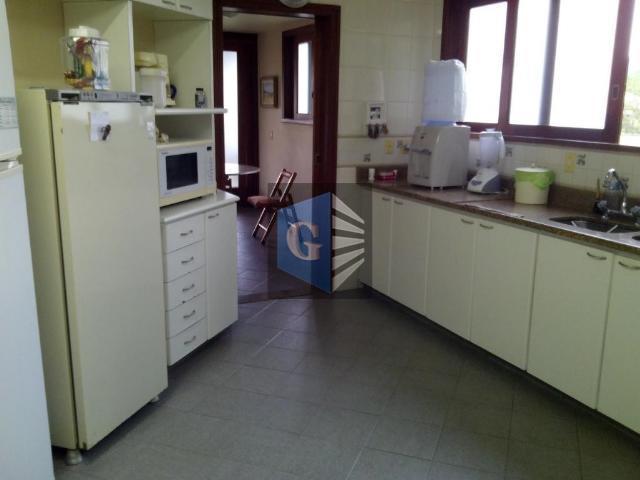 cond.fechado- casa montada -varandão - 2 salas 4 quartos- 1 suíte 2banheiros sociais (blindex) - closet...
