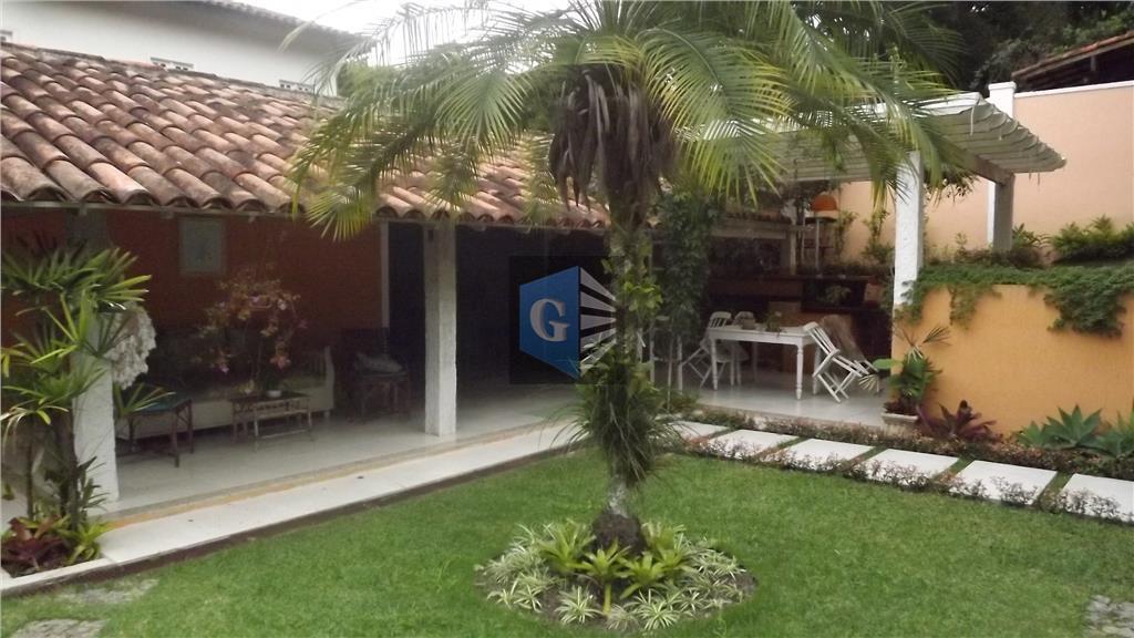 Pendotiba-Casa duplex -piso porcelanato - montada -varandão arborizado - slão +sla de jantar-sla tv -5qts -4stes -lazer -6 vagas