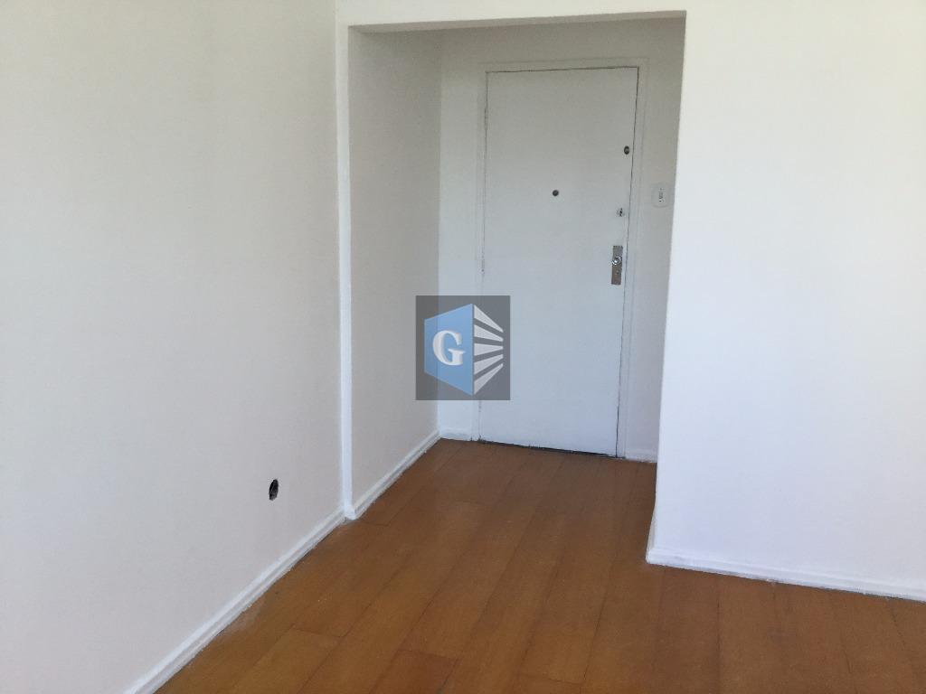 Moreira César -100mts/praia- ponto nobre - VAZIO - piso Paviflex - sala, 02 quartos, banhº social - coz- área -dep.emp - 01 vaga/gar