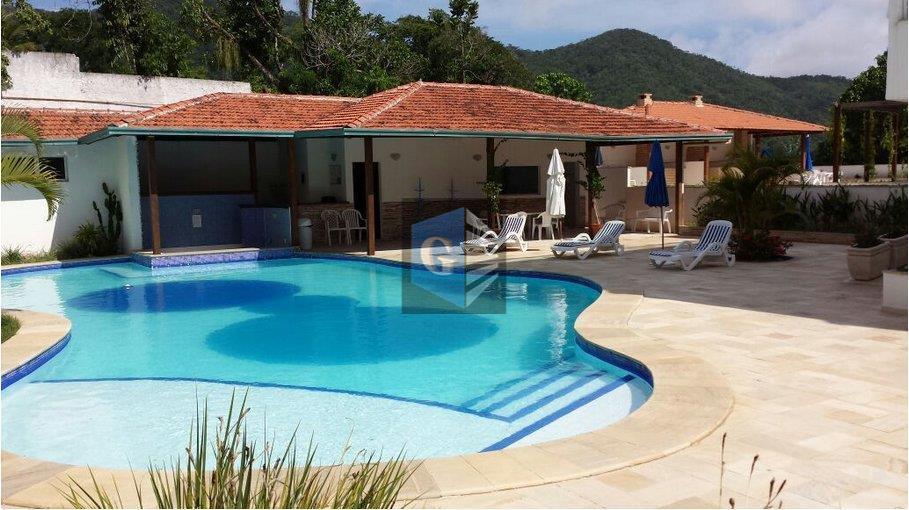 Flat residencial -VAZIO - piso cerâmica - sala- 1quarto - banh. social - coz - área - 1 garagem . Lazer completo .