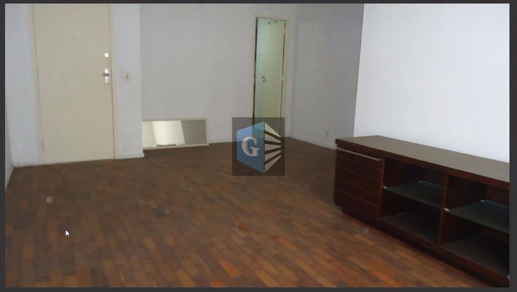 amplo e vazio - indevassado - piso tacos - ampla sala (28m²) , 2quartos (13-11m²), 1suíte...