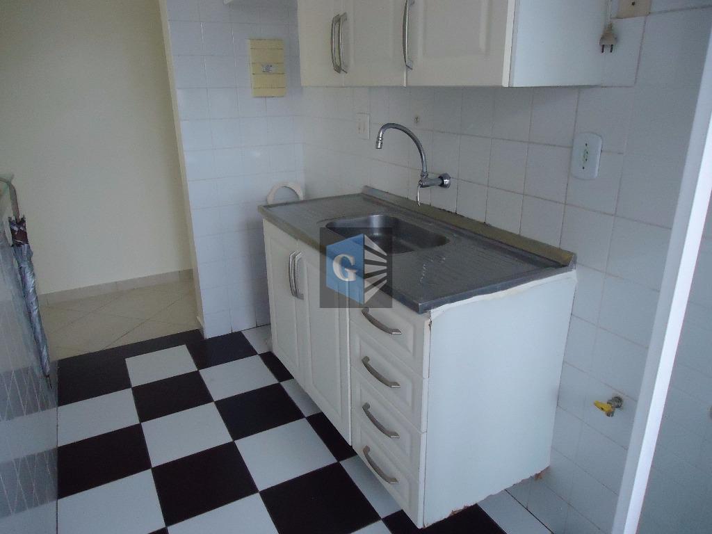 barreto-condomínio neo niterói, piso cerâmica- sol da manhã - frente - sala, 02 quartos ambos com...