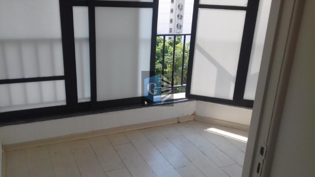 Rua Mariz e Barros - Centro clínico -sala comercial ( 80m²) VAZIA- varanda- recepção- -1banheiro -1 garagem.