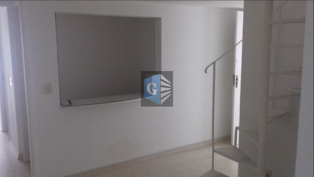 mariz e barros, centro clínico - sala comercial duplex -(72m²)- vazia- piso laminado - varanda recepção...