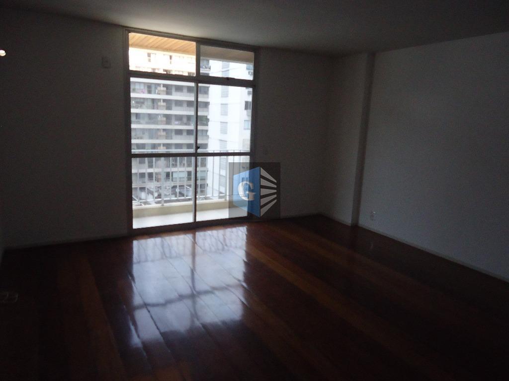 rua miguel couto - 1p/andar -10º andar - indevassado - piso laminado - varanda - salão...