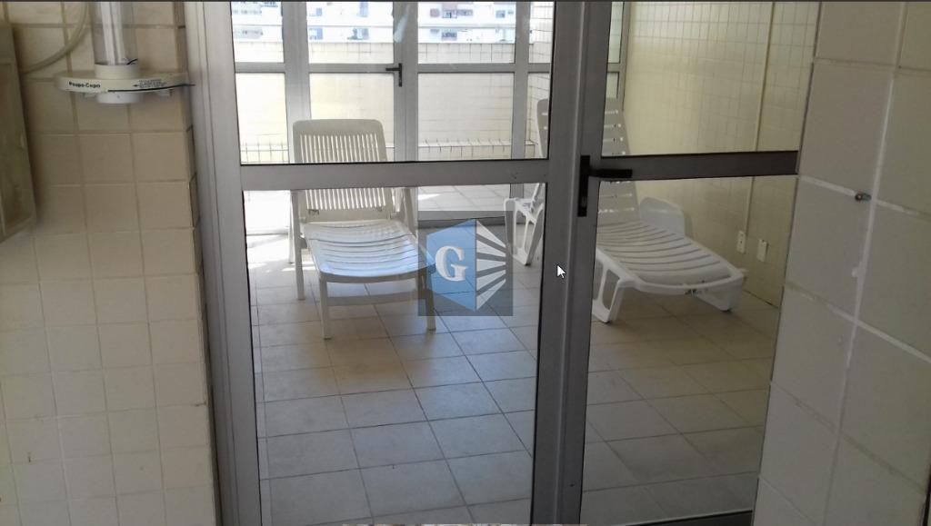 próx.procórdis - vazio - piso frio - varanda - sala- 2quartos - 1suíte 2banheiros socais blindex...