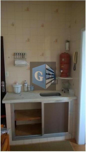 apt de 03 quartos - sala - copa e cozinha - 1 banheiro social - 1...