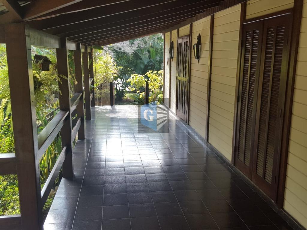 maria paula- ampla casa (cond.fechado)-terreno de 560m² ajardinada - toda montada - piso frio - super...