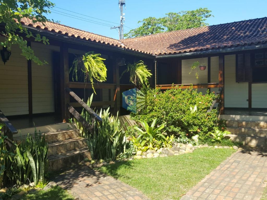 Casa com 4 dormitórios à venda, 228 m² por R$ 950.000 - Badu - Niterói/RJ