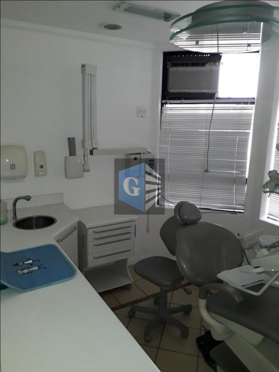 Pres.Backer - Sala Comercial c/garagem - hiper montada p/cons.dentário - recepção - sala - banheiro social. Oportunidade!