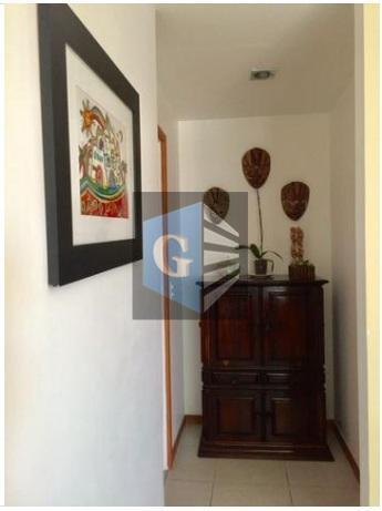 ap bem localizado em santa rosa -frente - varandão (19m²) ja com tela de proteção -...