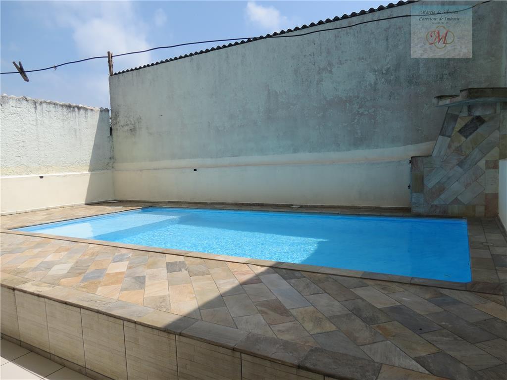 Sobrado com 3 dormitórios a venda no bairro Jardim Corumbá em Itanhaém