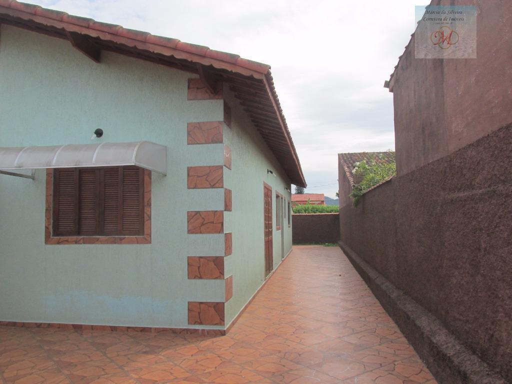 Geminada com 2 dorms, lado pista, a venda em Itanhaém