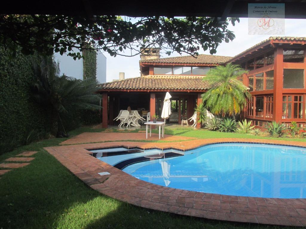 Casa de Alto Padrão com 5 dormitórios a venda no Centro de Itanhaém