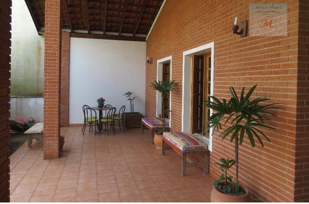 Casa de 4 dormitórios a 50 metros do mar a venda no Centro de Itanhaem