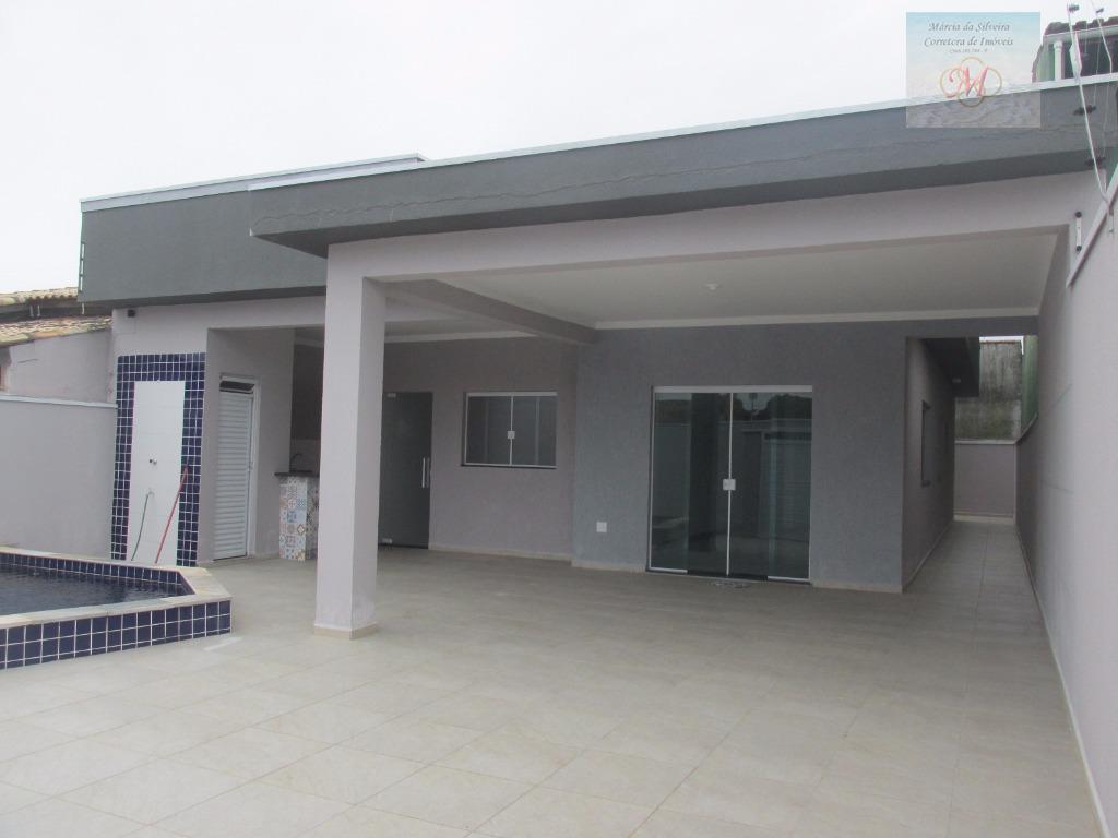 Casa residencial à venda a 350 metros da praia, 3 dormitórios sendo 2 suítes e Piscina, Balneário Tupy, Itanhaém.