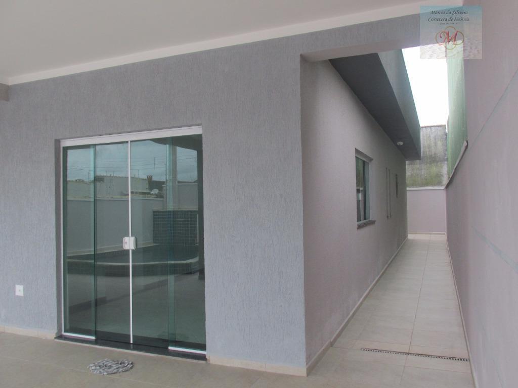 maravilhosa casa alto padrão em estilo moderno a venda no baln. tupy a 350 metros da...
