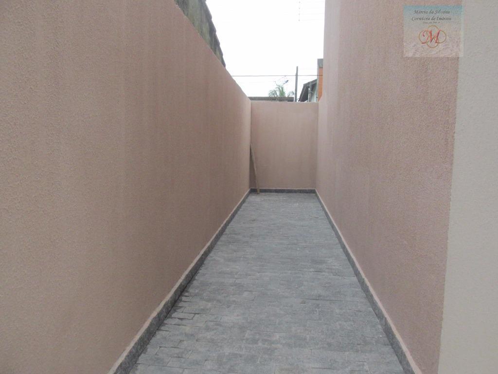 sobrado em condomínio fechado à 500 metros da praia - cibratel ii - itanhaém.este condomínio se...