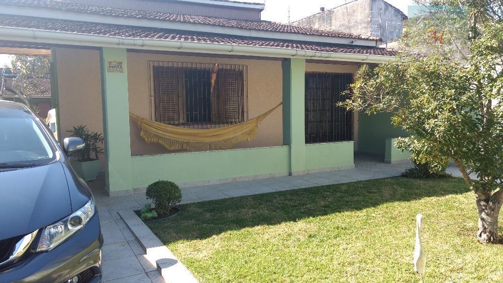 Casa com quintal amplo, 2 dormitórios e edícula a venda no bairro Nova Itanhaém