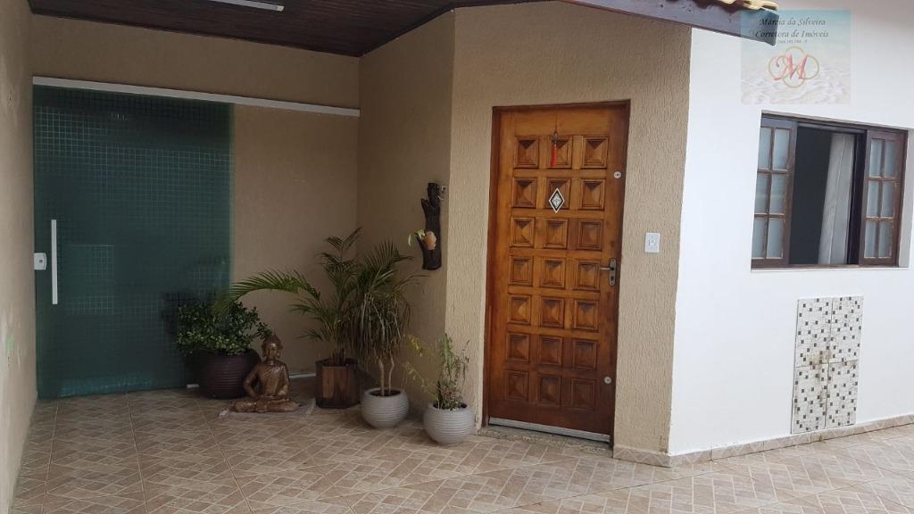 Casa com duas suítes e área gourmet a venda no bairro Tupy em Itanhaém