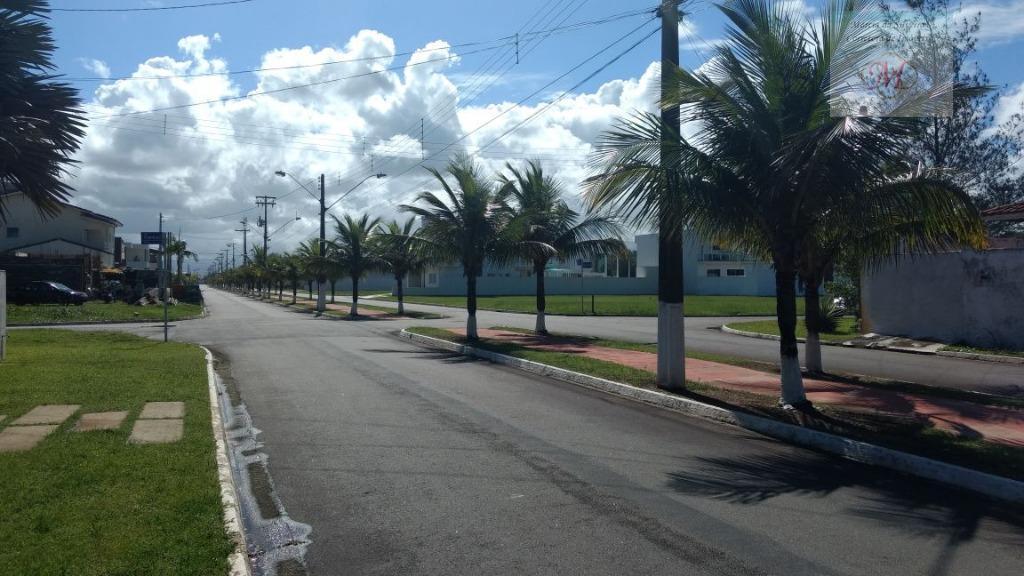 Terreno a venda em condomínio fechado de frente para o mar