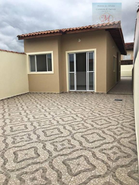 Casa com suíte e quintal amplo a venda em Itanhaém