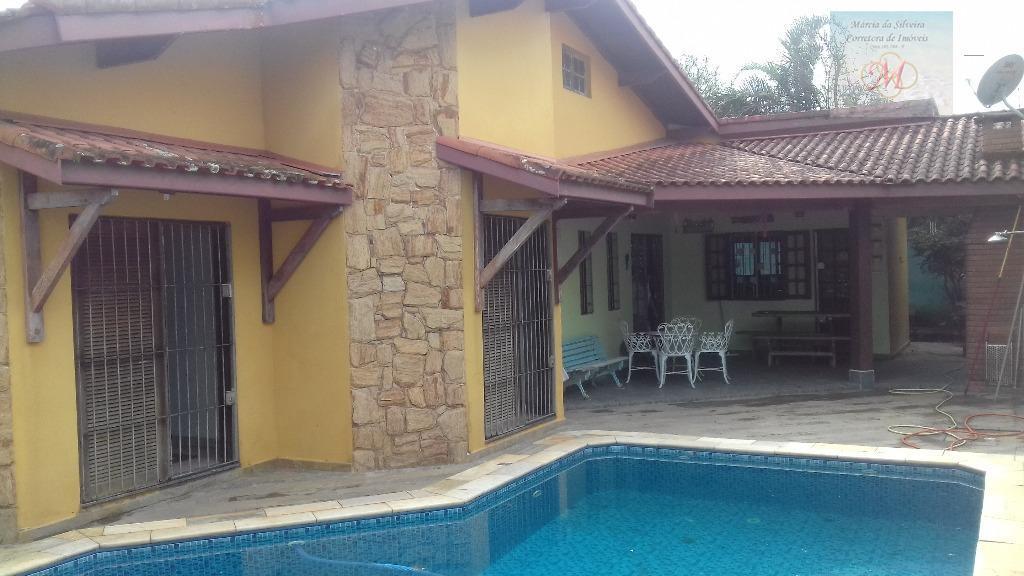 Linda casa com piscina e mezzanino à venda, Jardim Belas Artes, Itanhaém.