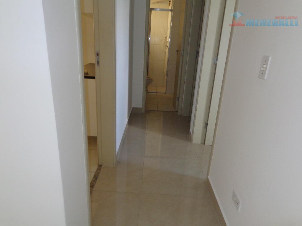 apto com frente p/ sol da manhã.sendo 2 dormitórios, sala 2 ambientes, banheiro social, cozinha, lavanderia,...