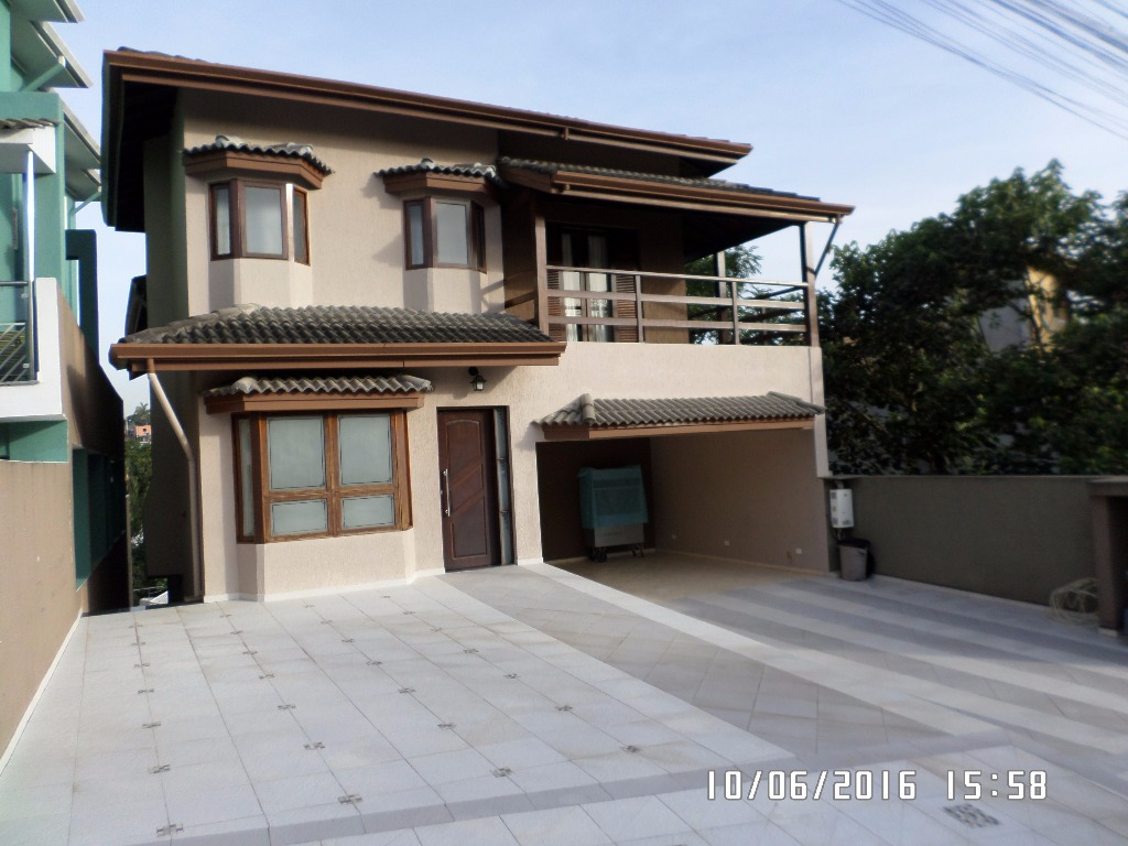 Casa residencial para venda e locação, Condomínio Country Club, Arujá - CA0368.