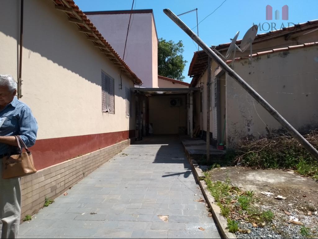 casa antiga, 300 m² de terreno, 3 dorms, sala, cozinha, wc, área de serviço + 2...