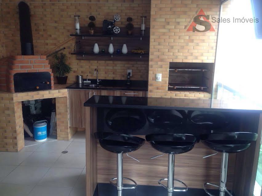 Campo Belo, 4 dormitórios,3 vagas, varanda com churrasqueira e forno de pizza.
