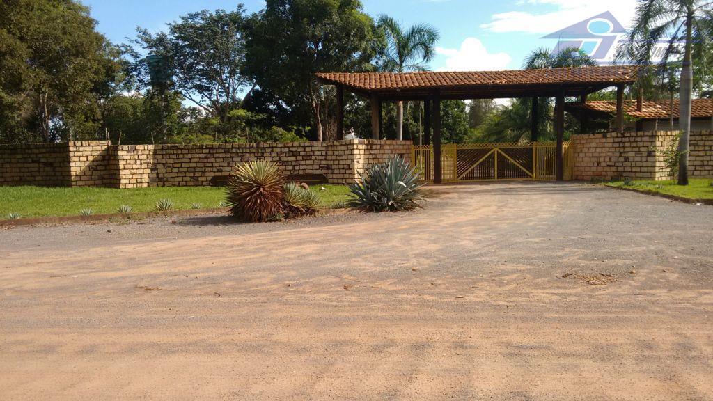 Casa  residencial para locação em condomínio fechado na Morada Nobre