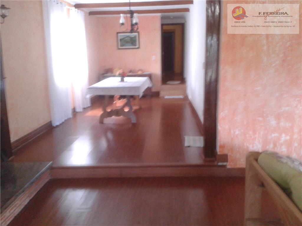 chácara com 1 salão de festa churrasqueira,cozinha,2 vestiário,1 banheirocasa principal sala com 02 ambiente c/lareira,1 cozinha...