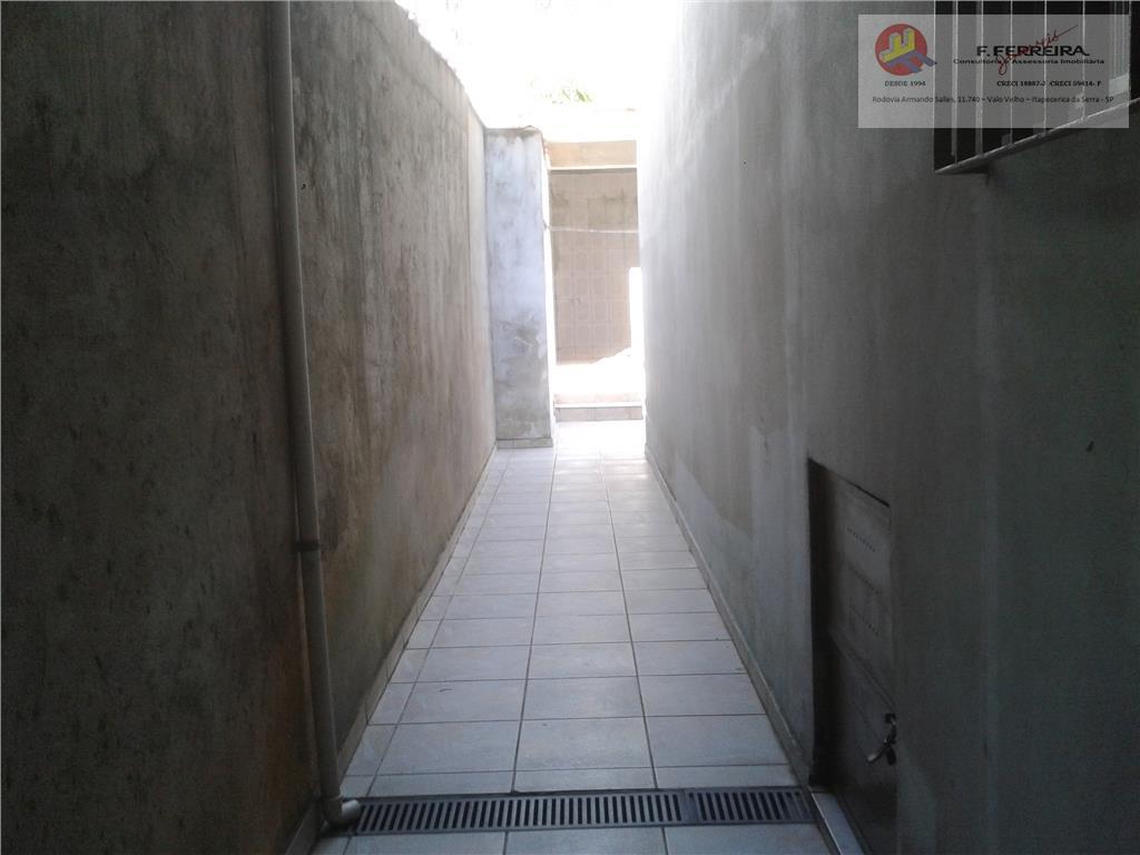 sobrado com3 dormitórios sendo um com sacadasalacozinhadispensa2 banheiroslavanderia área de serviço2 vagas