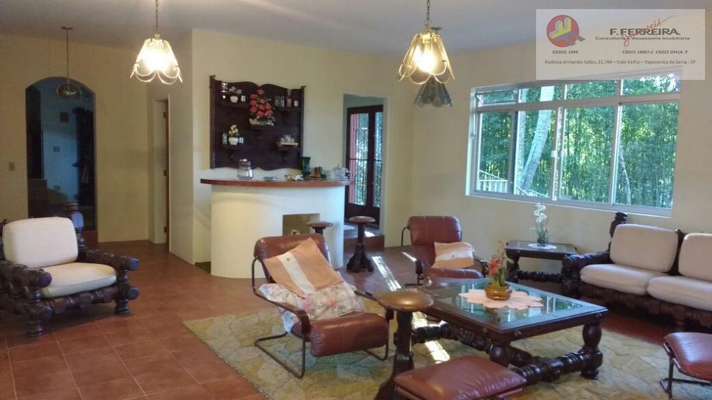 casa em condomínio fechado contendo:02 dormitórios, 01 suíte com banheira e aquecimento a gás, sala de...