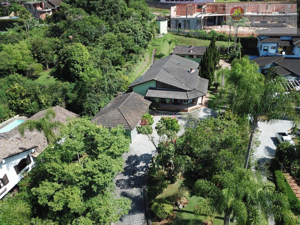 Casa térrea com 435 m² em condominio fechado Jardim Europa - Itapecerica da Serra/SP