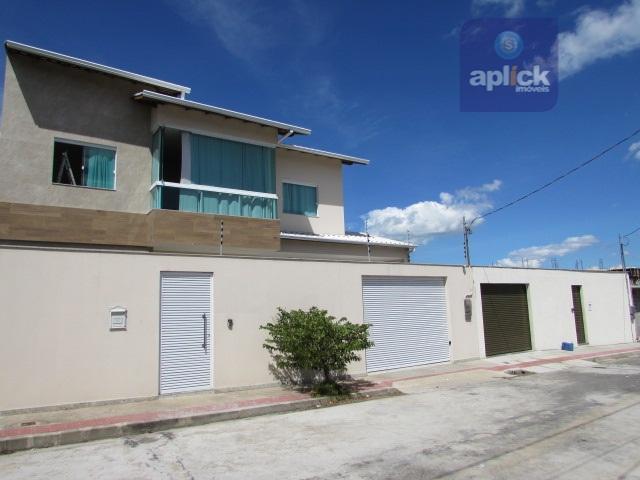 Linda casa duplex a venda em Morada de Laranjeiras