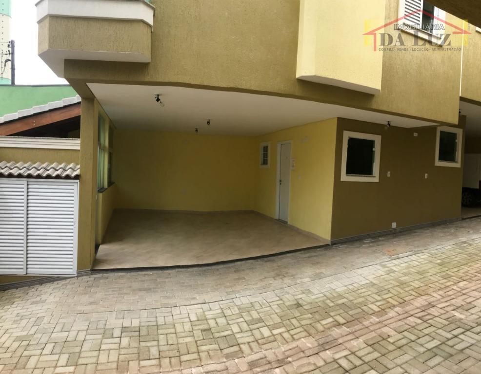 sobrado - 2 dormitórios, sala, cozinha, wc, área de serviço, 2 vagas de garagem, e churrasqueira....
