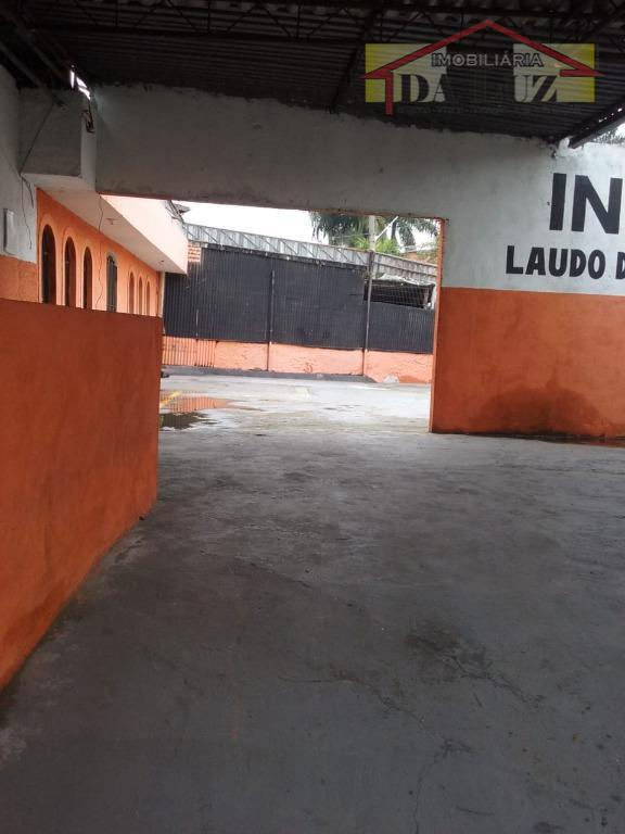 salão aberto em ótima localização .400 mts , avenida principal no bairro santa terezinha , ótimo...