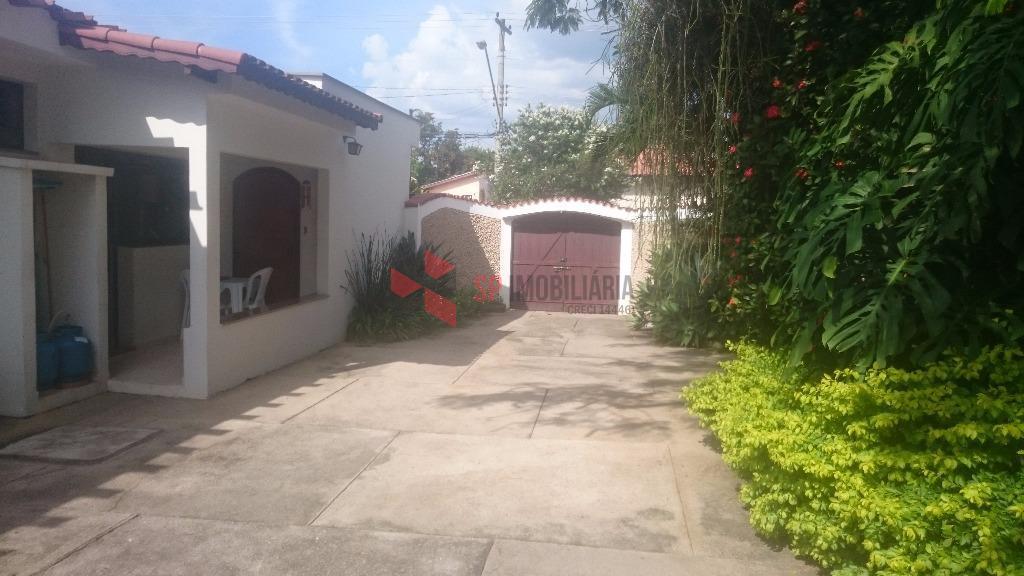Casa impecável à venda, Jardim São José, Caçapava.