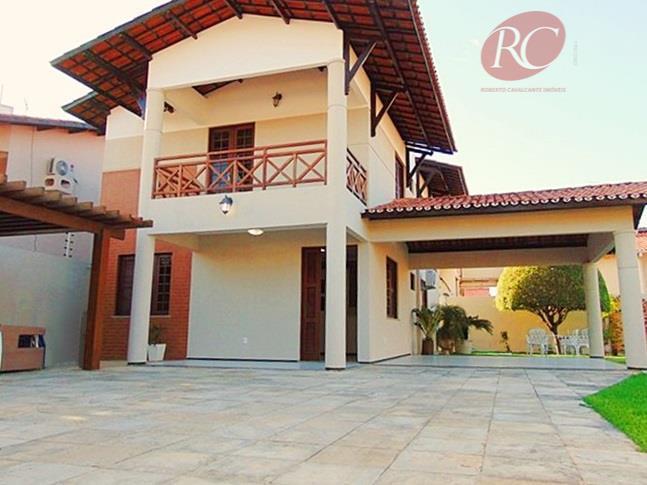 Espaço, conforto e tranquilidade. Casa duplex para fins comercial ou residencial.