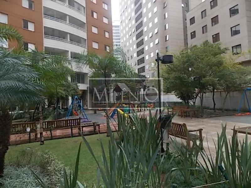 Cobertura de 5 dormitórios em Moema, São Paulo - SP