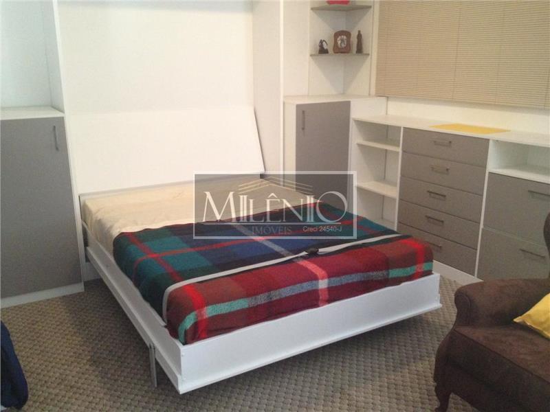Cobertura de 2 dormitórios em Aclimação, São Paulo - SP