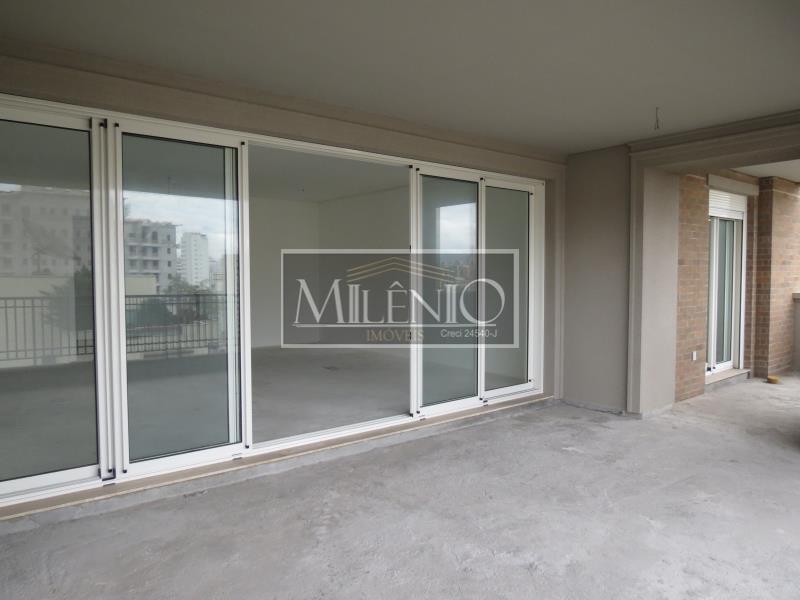Apartamento de 4 dormitórios à venda em Jardim Europa, São Paulo - SP