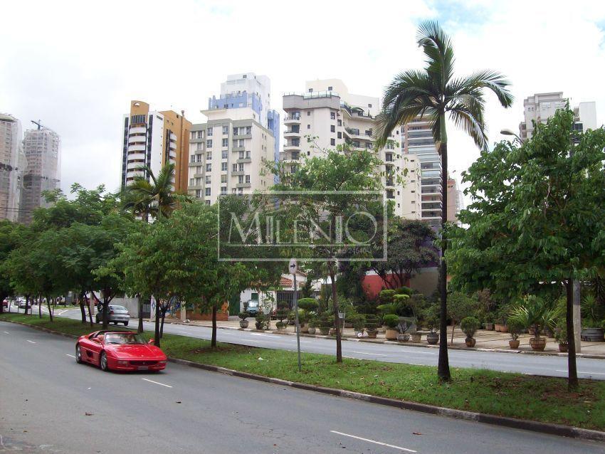Casa de 4 dormitórios em Vila Nova Conceição, São Paulo - SP