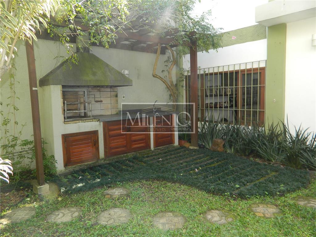 Casa de 3 dormitórios em Jardim Petrópolis, São Paulo - SP