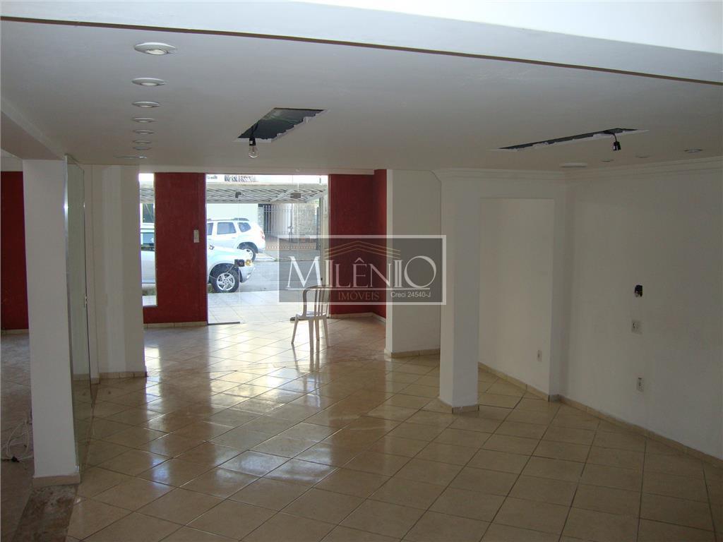 Casa à venda em Moema, São Paulo - SP