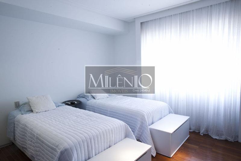 Apartamento de 2 dormitórios à venda em Jardins, São Paulo - SP