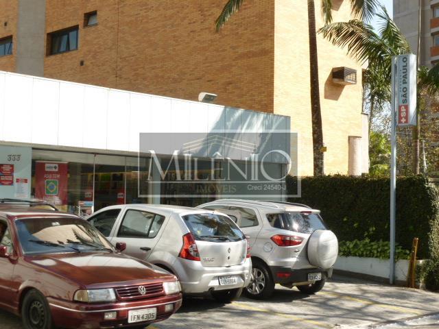 Apartamento Duplex de 3 dormitórios à venda em Real Parque, São Paulo - SP